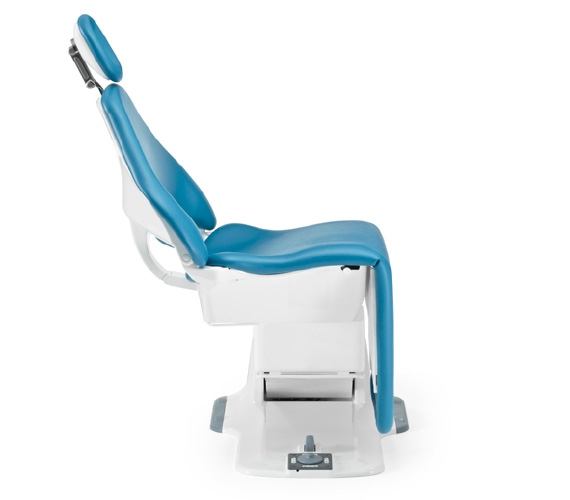Planmeca dental chair unit with automatic legrest
